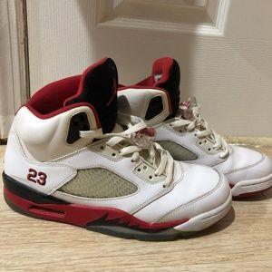 "Jordan Retro 5 ""Fire Red"" - 2013"